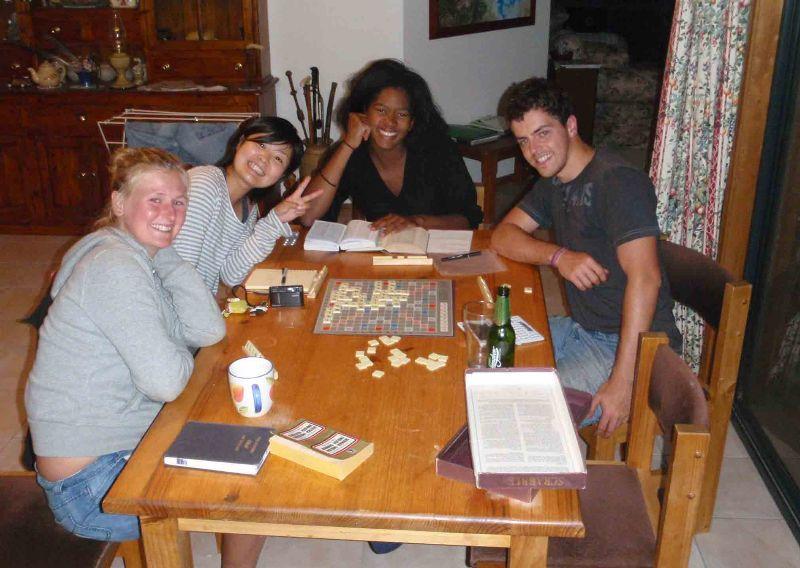 2008 November Lisa (Austria), Asami (Japan), Lea (Fra), Kristof (Belgium)