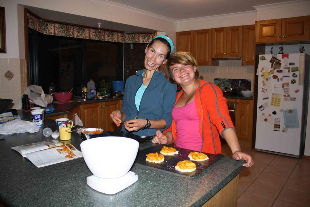 2009 April Amanda (Can) and Ali (Ger)