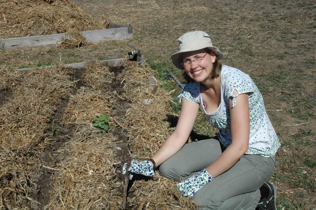 2009 April Lisa (Ger) planting veggies