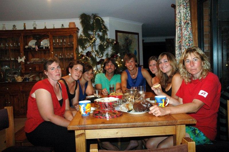 2009 Dec Xmas Eve Els(Bel), Claire (Fra), Florence (Fra), Steve,_Simon (Ger), Manon (Fra), Anne(Ger) and Ruth