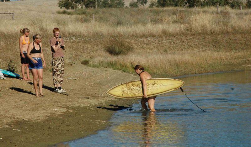 """2009 March dam 'surfing"""""""