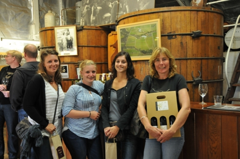 2011 April Katherin (Ger), Yael (Swiss), Pauline (Fra) and Ruth a day out visiting local wineries