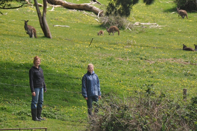 2013 September Sara(Eng) and Anne(Neth) with roos