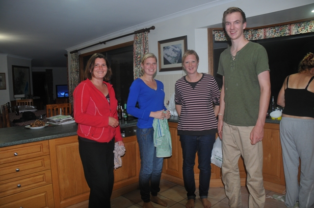 2013 September Stef(Ger) Sara(Eng) Anne(Neth) and Bram(Neth) and Ruth doing the evening dishes
