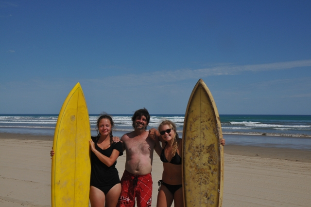 2014 February Laura(Ger) Steve and Maeva(Bel) a day out surfing